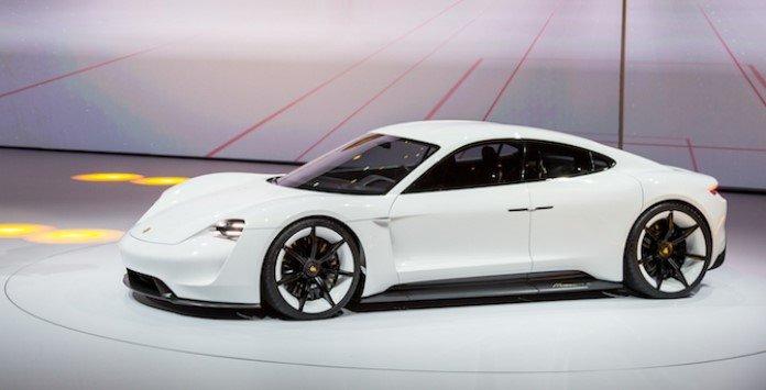 Automóvel elétrico - Porsche Taycan