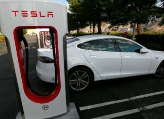 Carro elétrico Tesla