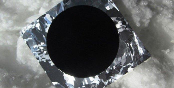 Célula Solar Fotovoltaica de Silício Negro