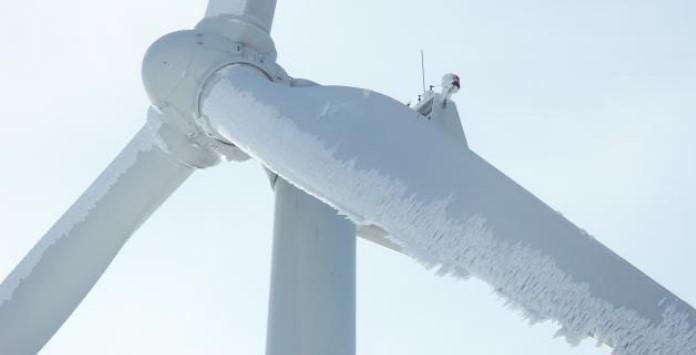 condicoes-climatericas-extrema-numa-turbina-eolica