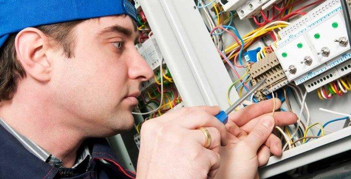 Emprego técnicos montagem e eletricistas para energia eólica