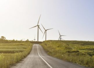 emprego-energia-eolica-estrada