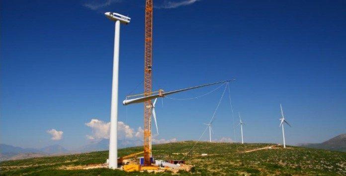 Emprego técnico montagem de aerogeradores e torres eólicas