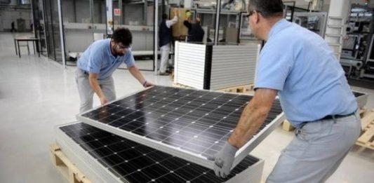 Argélia inaugura mega fábrica de painéis solares fotovoltaicos
