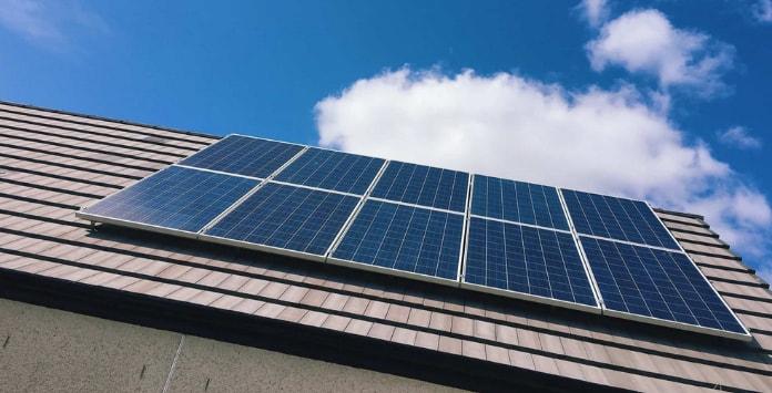 Austrália pretende criar novo imposto solar para cobrar aos proprietários de painéis fotovoltaicos que injetam o excesso de produção na rede.