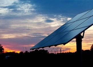 paineis-solares-noite